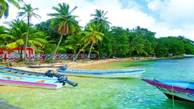 panama.boat.jpg